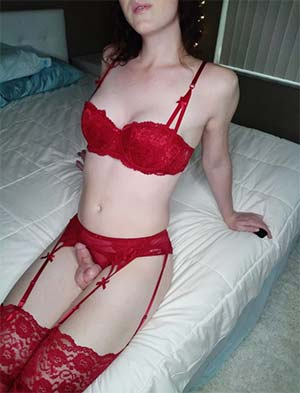 Snowhite transwoman red hot for sex in KC
